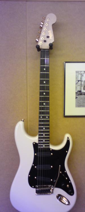Jim Cregan's Customshop white ST Vintage